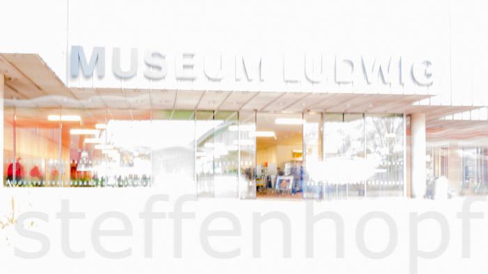 Kommen und Gehen am Museum Ludwig in Köln 06 © Steffen Hopf