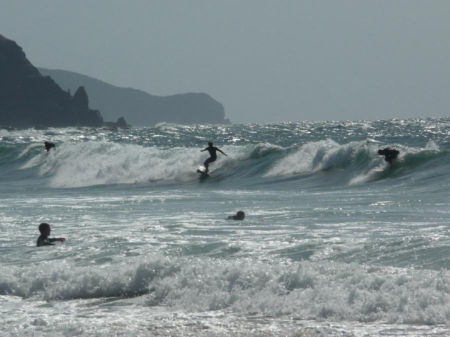 Algarve - Surfer am Strand von Steffen Hopf