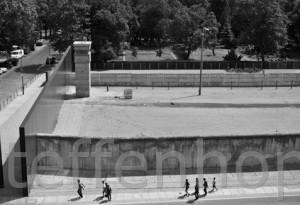 Gedenkstaette Berliner Mauer, Bernauer Strasse, Todesstreifen 02 von Steffen Hopf