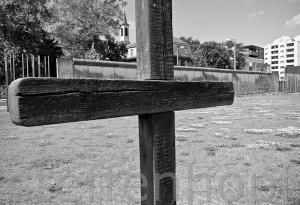 Gedenkstaette Berliner Mauer, Bernauer Strasse, Gedenkkreuz von Steffen Hopf