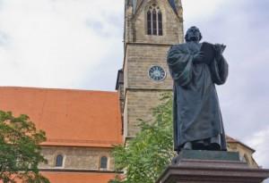 Erfurt - Kaufmannskirche mit Lutherdenkmal von Steffen Hopf