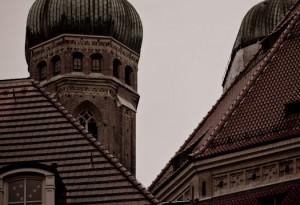 Muenchen - Tuerme der Frauenkirche in der Altstadt von Steffen Hopf