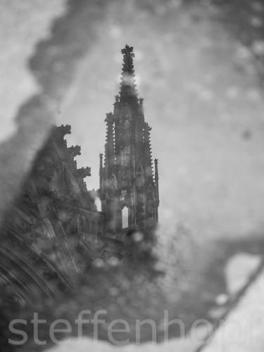 Spiegelung des Kölner Doms © Steffen Hopf