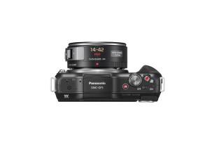 Panasonic Lumix DMC-GF5 - schwarz, von oben mit Powerzoom-Pancake 14-42mm (Bild: Panasonic)