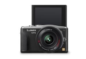 Panasonic Lumix DMC-GF6 - schwarz, von hinten mit Display nach oben (Bild: Panasonic)