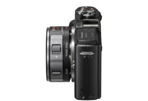 Panasonic Lumix GX1 - seitliche Aufnahme mit Pancake-Powerzoom H-PS14042 (Bild: Panasonic)